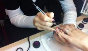 """Aperte le iscrizioni al corso """"Applicazione e decorazione unghie – metodo Gel"""""""